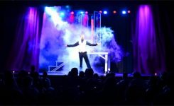 Perbedaan Antara Magic Act dan Magic Show